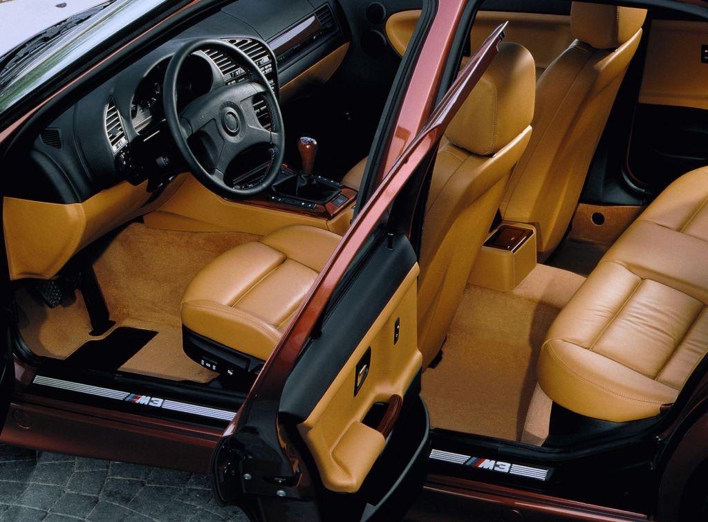 BMW E36 Sedan Tuning