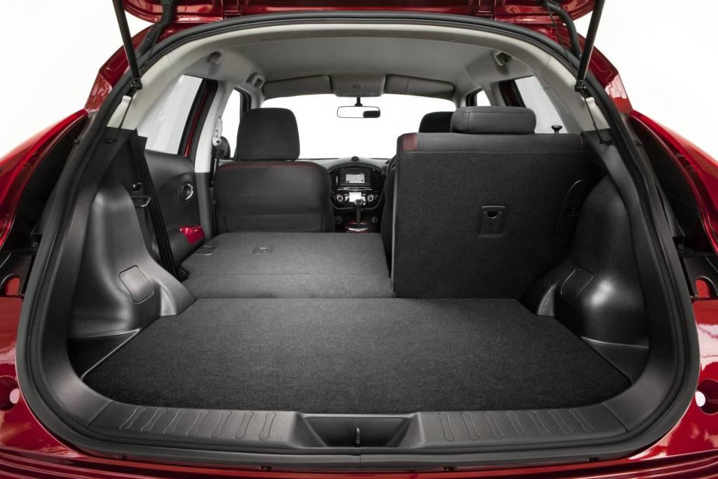 athens car blog nissan juke 2010 interior. Black Bedroom Furniture Sets. Home Design Ideas