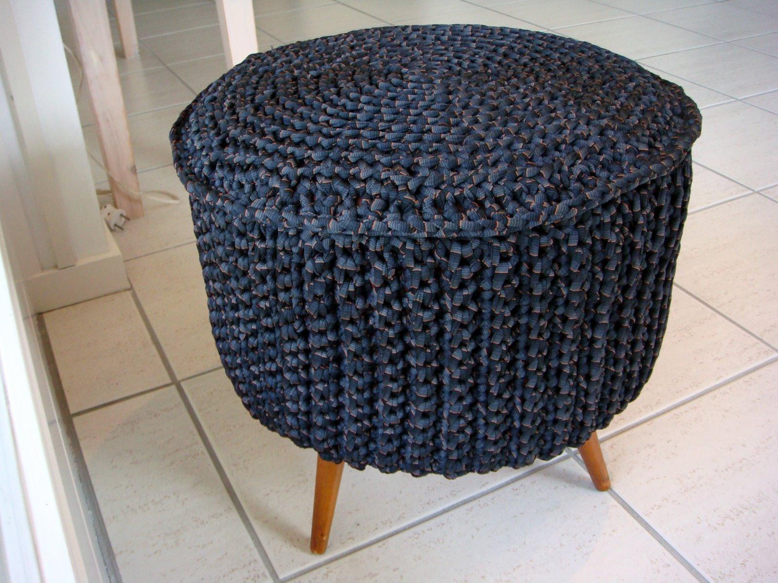 Will 39 s wools more zpagetti projects - Pouf eigentijds ontwerp ...