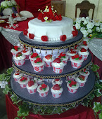 Wedding Cakes - Fondant & Cupcake Strawberry