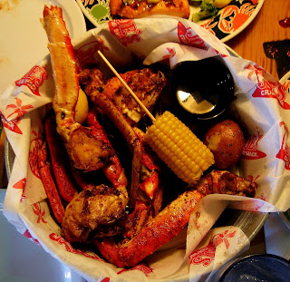 [Image: Crab+in+a+bucket+at+Joe%27s+Crab+Shack.jpg]