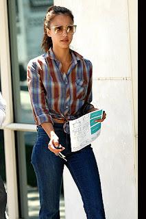http://1.bp.blogspot.com/_fXhvEPsYdQc/TMhZaw3JcrI/AAAAAAAAEN8/YDW_T8-OSzg/s1600/celebrities_con_camisas_a_cuadros_281827567_320x480.jpg