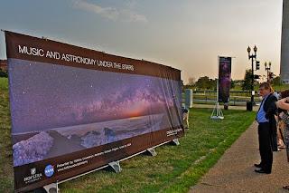 'Música y Astronomía bajo las Estrellas' frente al obelisco