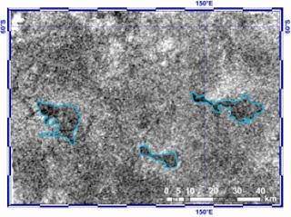 Imagen de lagos cercanos al polo sur de Titán
