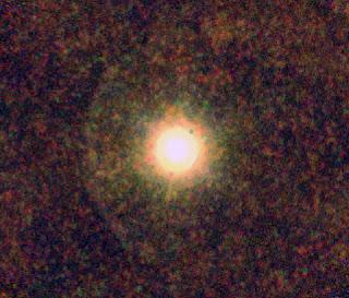 Fotografía de la estrella gigante IRC+10216 en infrarrojo