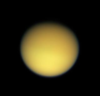 Fotografía de Titán obtenida por la nave espacial Cassini