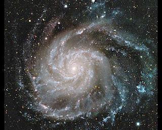 Imagen de la Galaxia del Molinete, que tiene áreas de brazos rectos