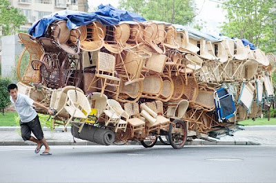 How many chairs on a cart