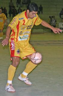 As atuações seguras do jogador Paulo Renato já renderam três troféus de  melhor em quadra b54faaed9671a