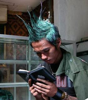 http://1.bp.blogspot.com/_f_WvvZqKy8w/TPbO70rpAtI/AAAAAAAAAHQ/LoYrVPfLA-8/s320/punk-taubat.jpg