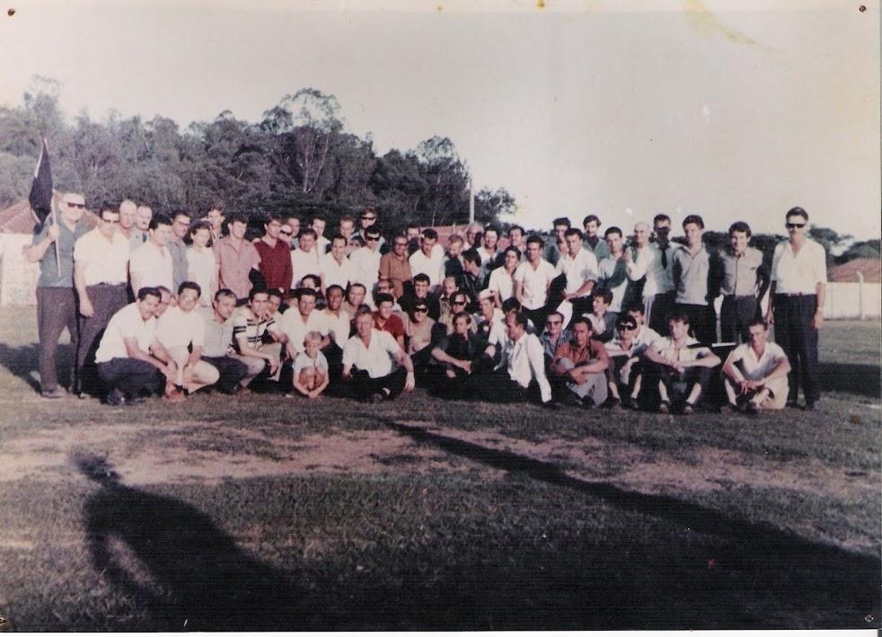 Atletas e torcedores em Campo Bom em 1967