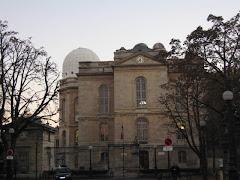 L`Observatoire de Paris si statuia lui Le Verrier