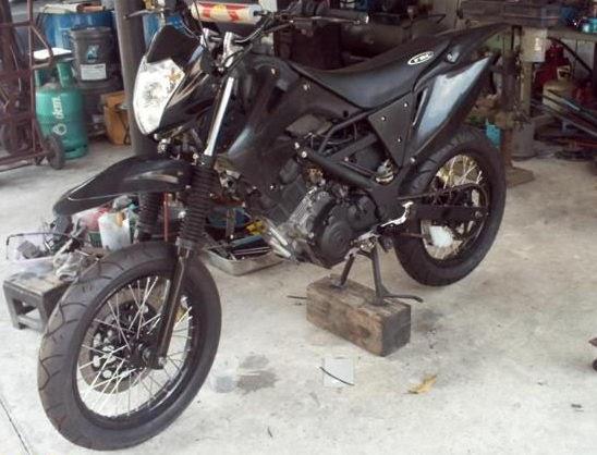 motorcycle ros suzuki raider  motard style