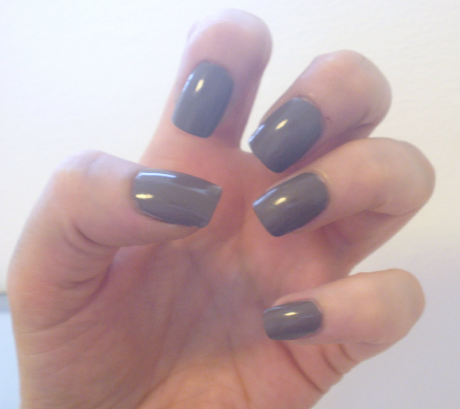 Beautylicious Love: Sophisticated Nails.
