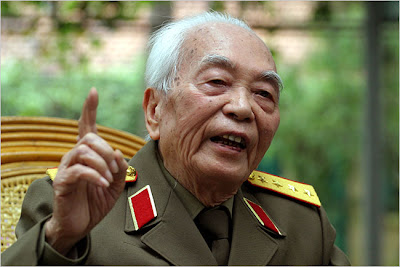 REASON TO KEEP POLITICAINS & BAISED MEDIA OUT OF WARS!!!!! GIAP%2BVO%2BNGUYEN