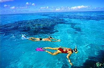 couple+snorkelling.jpg