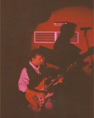 Aquilino, solo de guitarra. Sala Krokos (Sarria-Lugo, 7 de julio de 1995):