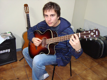 Manuel Alberto Santín Teijeiro (Matrícula de: 03/10/08).