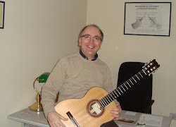 "Aquilino ""Aki"" Jacob, profesor de la Escuela de Guitarra (Lugo, Galicia-España)."
