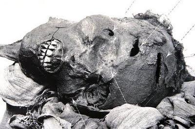 http://1.bp.blogspot.com/_fhVpDW9sV30/Ssm4mHQRqYI/AAAAAAAALNM/JNNrt-GBTQU/s400/Mummies-Seqenenre-Tao-II.jpg