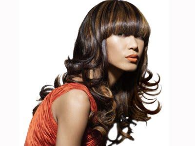 Membaca artikel yang berkategori gaya dengan judul trend warna rambut