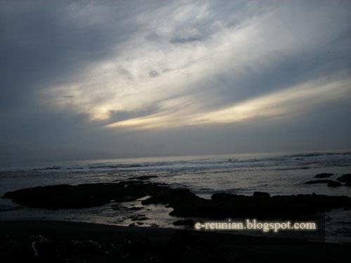 [sunrise-kucupin-beach-733292.jpg]