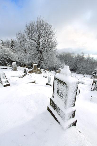 [Winter+cemetery.jpg]