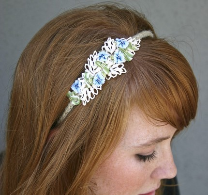 [headband]