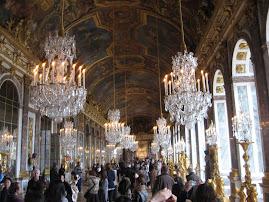 Espejos y más espejos para reproducir los lujos de Versalles