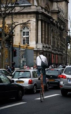 Bicicleta callejera en Paris