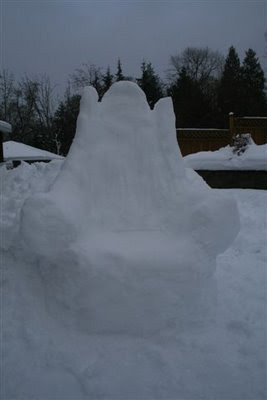 Snow throne