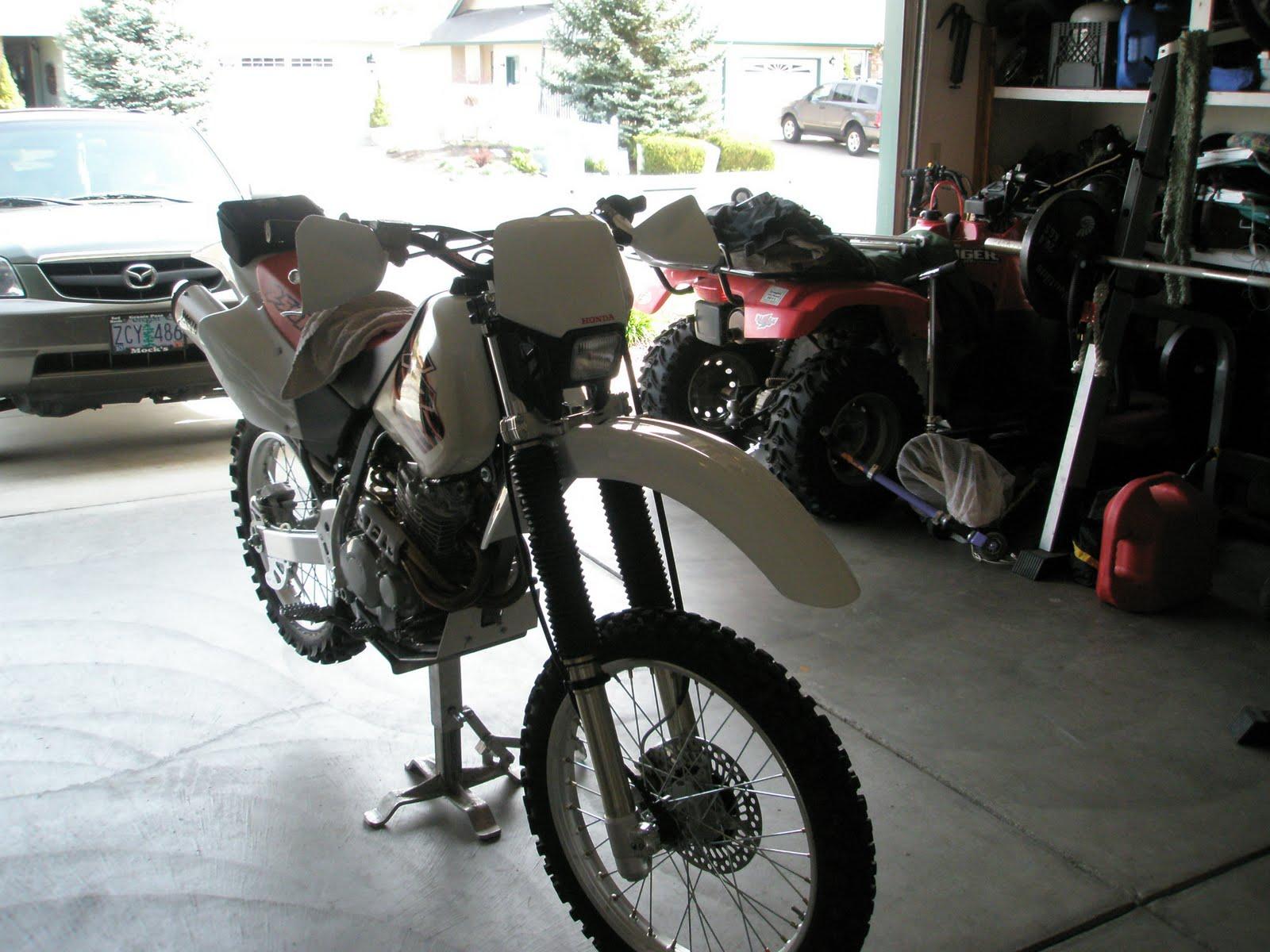 http://1.bp.blogspot.com/_fmD16zPG3pc/S7EJ66s6YnI/AAAAAAAADsw/WWLJ3q6xu_Y/s1600/Scott%27s+bike.JPG