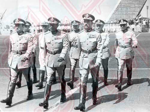 القادة