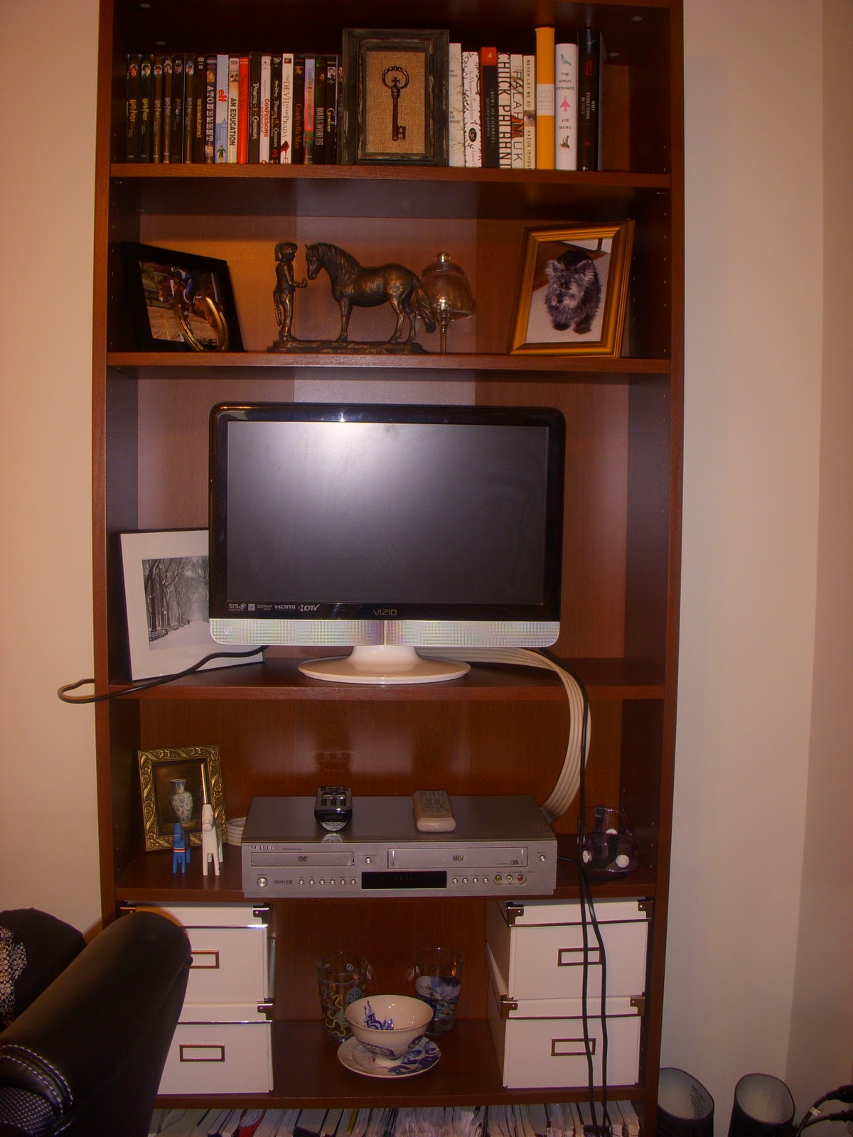 corner tv shelves plans