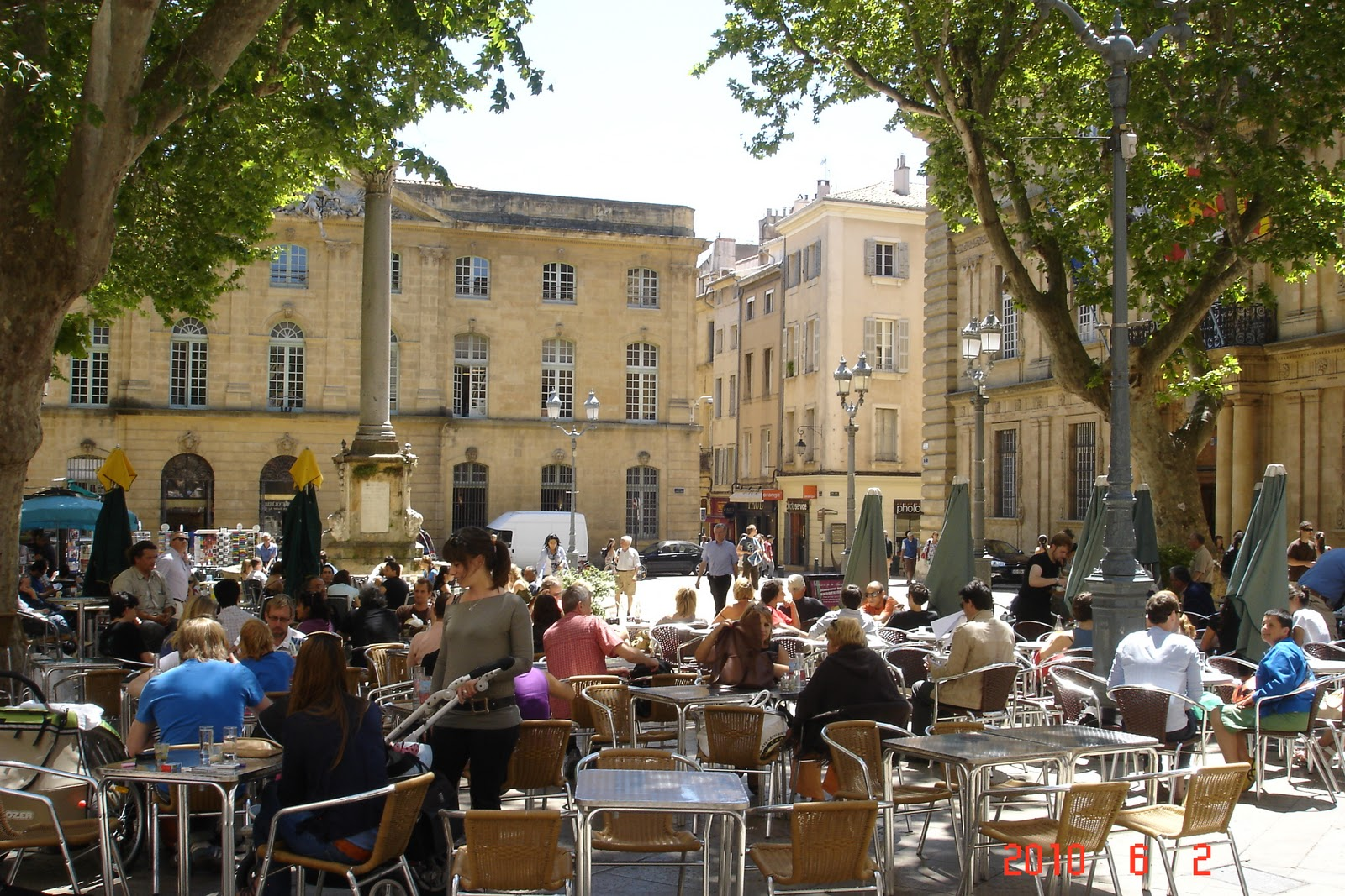 John batchelor dining and travel provence photos for Deco aix en provence