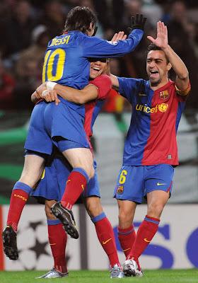 Lionel Messi-Messi-Barcelona-Argentina-Pictures-Xavi