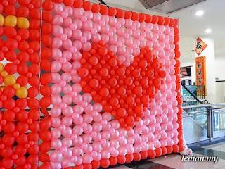 Balloons (photograph)