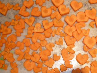 http://1.bp.blogspot.com/_fot_YT2qTHE/S378QJVIvFI/AAAAAAAAAI8/JFZGKWoARO0/s320/lots+of+carrot+hearts.JPG