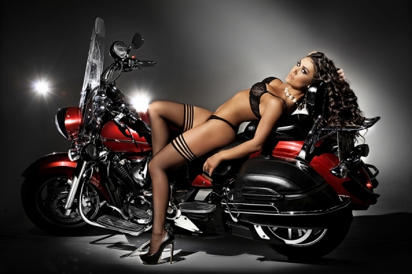 Gostosa De Biquini Preto Na Moto Woman In Black Bikini On The Bike