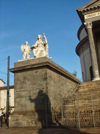 Statua Chiesa della Gran Madre di Dio, Torino