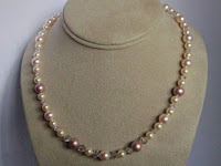 Crystal and Pearl Necklace by MagsBeadsCreation