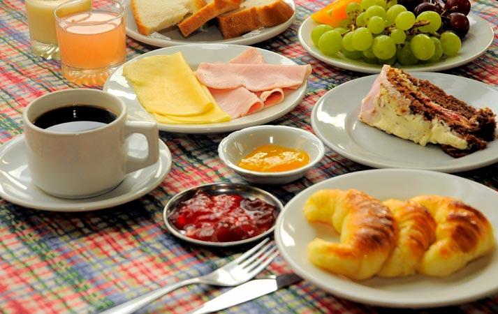 Soy invitada al desayuno Desayuno