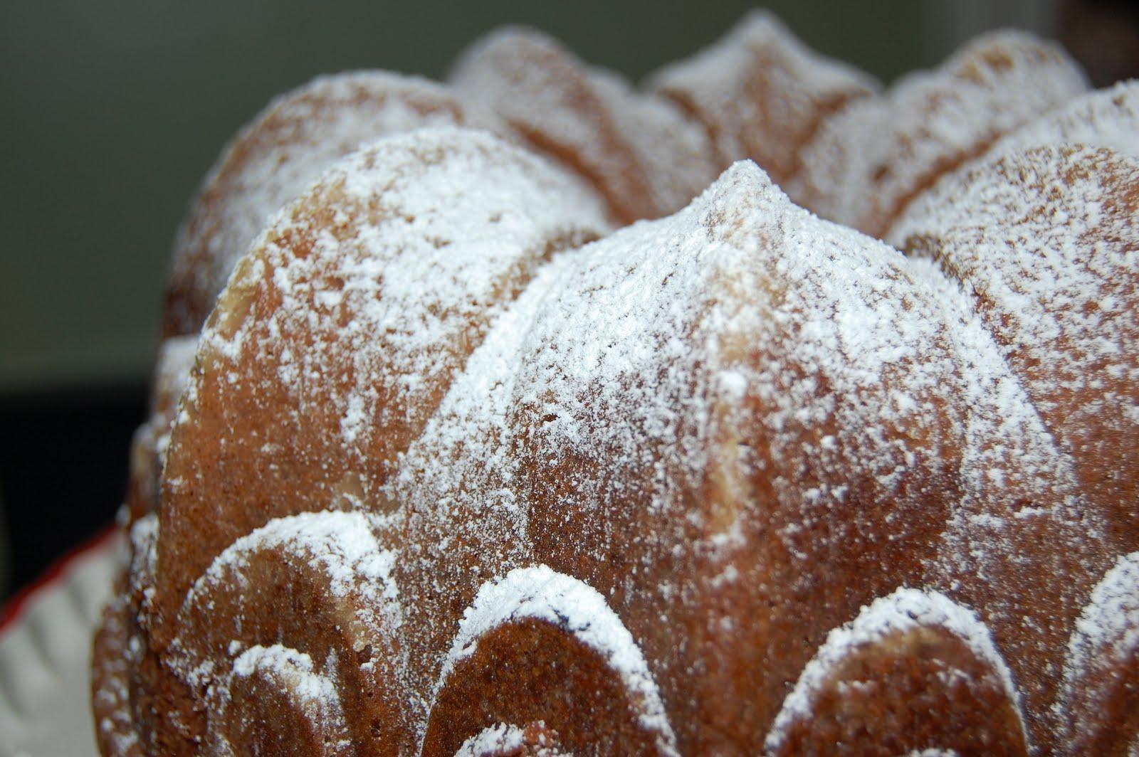 KnitOne,PearlOnion: Cardamom Vanilla Pound Cake