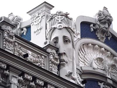 Clearly creative art nouveau goodness gaudi - Art nouveau architecture de barcelone revisitee ...