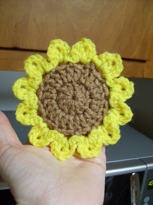 Deb's Crafts: Sunflower Lap-Ghan Free Crochet Pattern