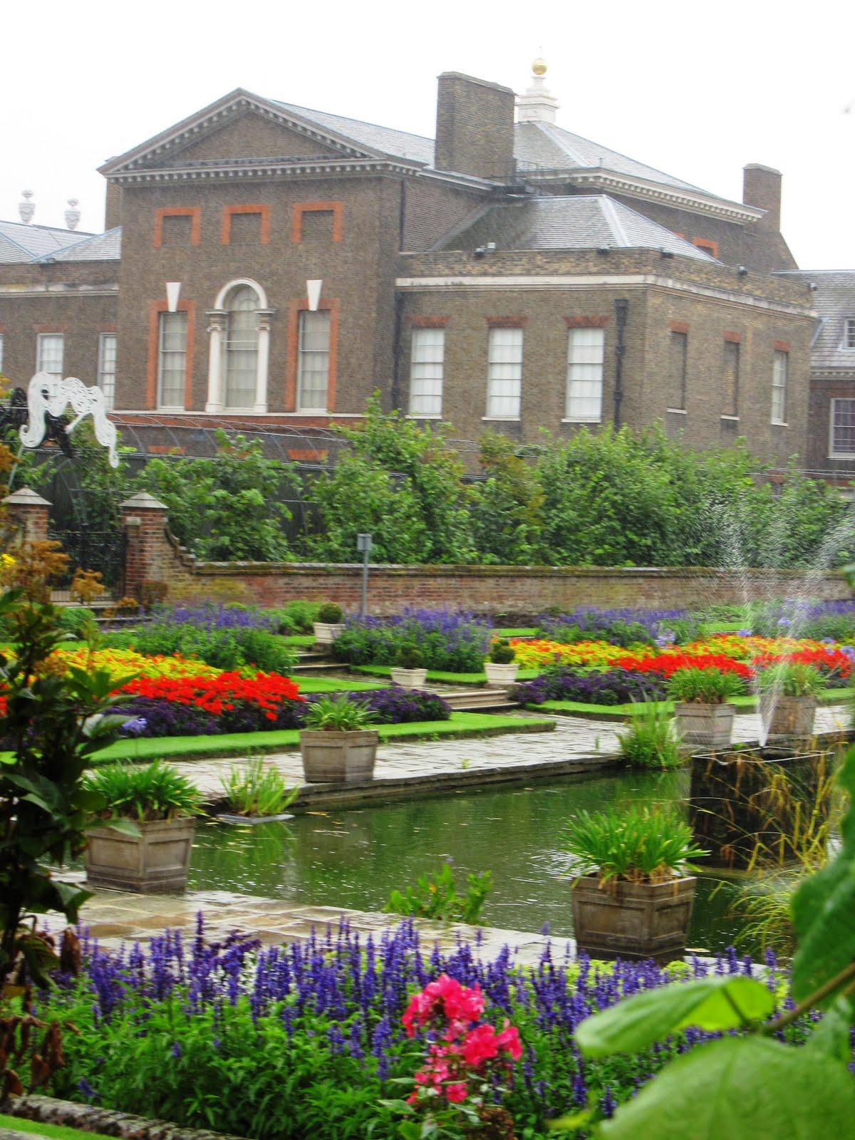 http://1.bp.blogspot.com/_g09CYhYht8Q/TGGsprVfImI/AAAAAAAABqI/1EID69-ZJ-k/s1600/Kensington+Garden+%2B+Palace.JPG
