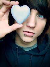 Alex Evans (L