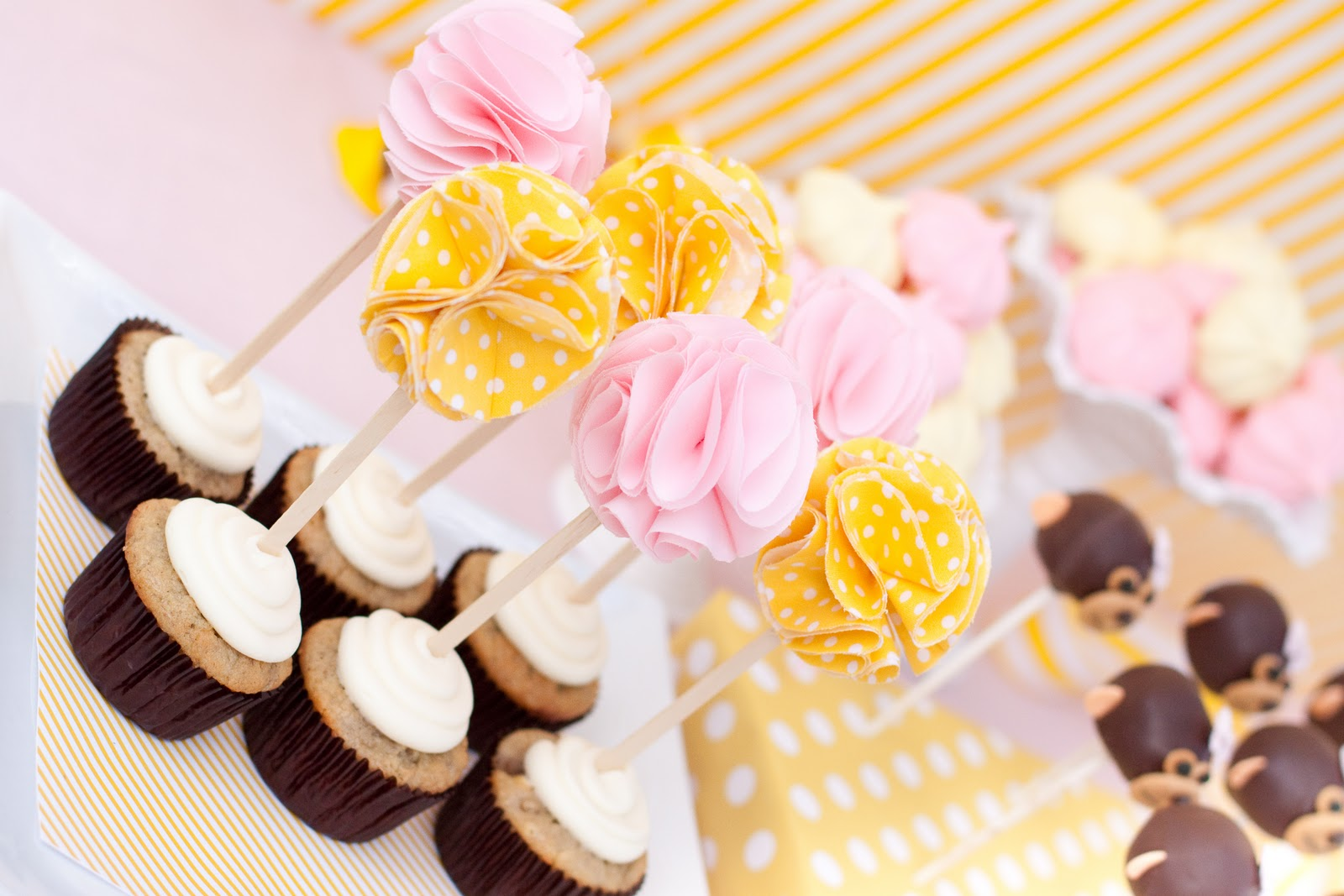 paiges of style DIY Fabric Flower Cupcake Topper