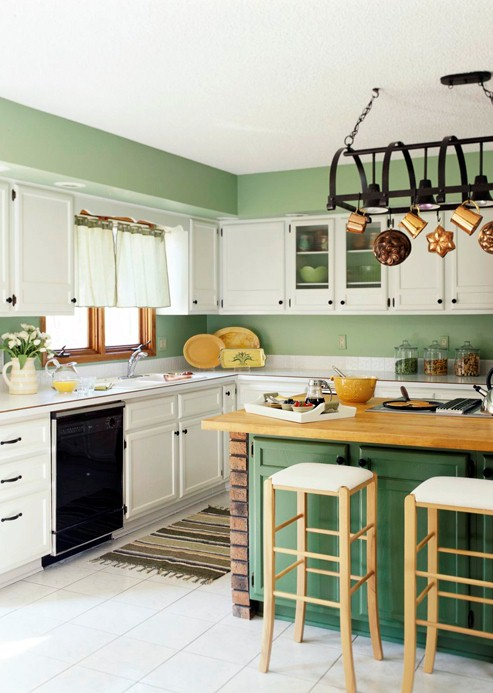 Kitchens With Green Cabinets