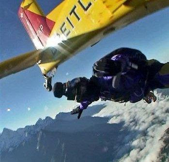 First-ever Mount Everest Skydive